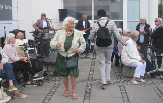 xxabIMG_4590 (2) Dans ved Meny 44 hos Ole Bredahl